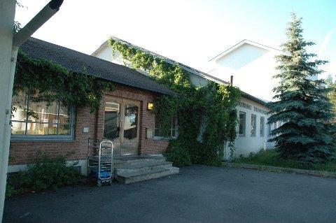 Her i skolegården på Brumunddal ungdomsskole skjedde voldsepisoden.