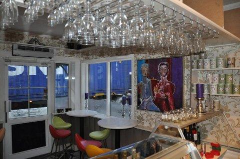 Tordag kveld blir det anledning til å smake musserende og Champagne hos Guri Malla Kaffe og Champagnebar.