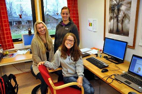 – Kari vil være en ressurs for oss her på PTØ-senteret, sier daglig leder Heidi Blindheim og fagansvarlig Marthe Gulbrandsen om Kari Sangero Olestad.