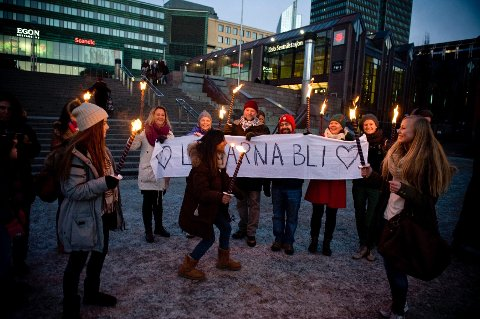 - Nå er det på tide å sette hensynet til barnets beste først, mener Trude Nilsen i støttegruppa for familien i Ski (til venstre, hvit jakke).