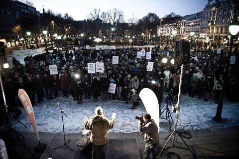 Det skyller en politisk kuldebølge over Norge. Og nå må vi handle, før det er for sent, mener Gunnar Stålsett.