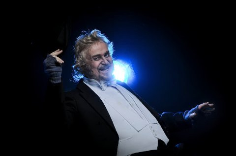 """Dennis Storhøi viste hvilken fenomenal skuespiller han er i Folketeatrets oppsetning av """"My Fair Lady"""" som hadde première fredag kveld."""