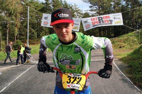 Råde BMX Klubbs Sebastian Aslaksrud var nær å komme til en semifinale i juniorklassen i den ene EM-runden i Tsjekkia.