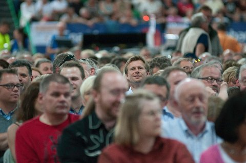 Hamars varaordfører Geir Byberg var tydelig spent foran konsertstarten.