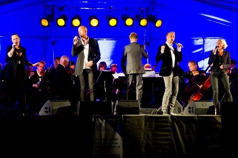 Solistene Ann Christin Elverum, Alexander Lycke, Erik-André Hvidsten og Heidi Gjermundsen Broch serverte musikalperler på rad og rekke.