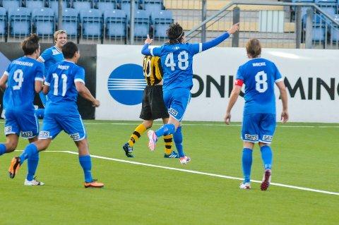 Drammen FK fortsetter å pøse inn mål i sin tredjedivisjonsavdeling. Her har Tomas Lian akkurat gjort 4-2 på Marienlyst.