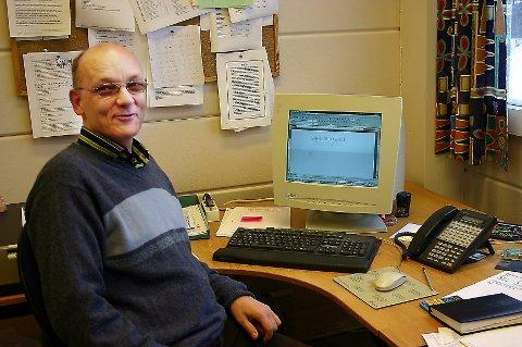 GODKJENT: Virksomhetsleder Arne Rønhovde i Ski kommune gir godkjent til restaurantene i Ski i år. Nå blir det trolig prikksystem.