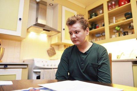 Ellef Mathias Hoff Slettebakken (15) har allerede startet jakten på sommerjobb. – Det er vanskelig å få jobb for ungdom under 18 år, sier han.