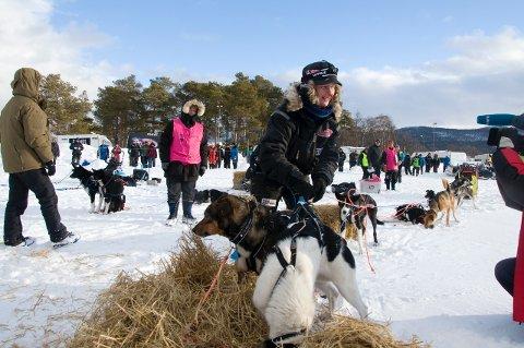 Birgitte Wærner var nummer tre inn til Grimsbu. Hun tapte mye tid på ha en sliten hund i sleden siste del av etappen.