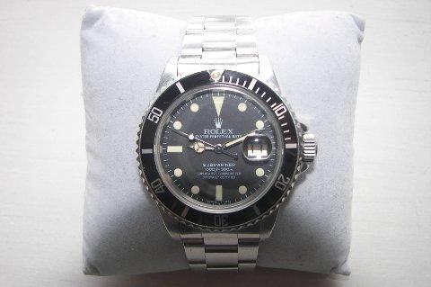 En 47 år gammel mann fra Skedsmo i Akershus måtte punge ut for å smugle en klokke av typen Rolex, som ikke er den samme som er avbildet.