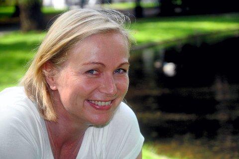 FORNØYD: Janne Langaas er godt fornøyd med at hun fikk Sunde på plakaten.