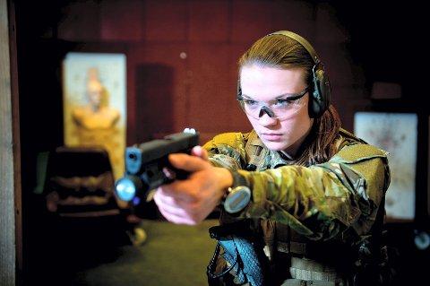 Forsvaret har opprettet en egen kvinnelig spesialstyrke, for å få flere kvinner inn i rekkene. 316 kvinner har søkt og er med i kampen om å bli Norges første kvinnelige spesialsoldater.