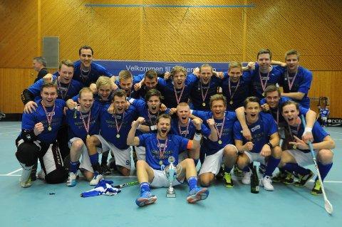 NOR 92 vant 1. divisjon, og hadde bare ett tap og en uavgjort og resten seire. De er klare for eliteserien neste år.
