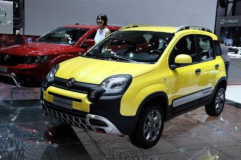 Fiat-designerne har dratt til skikkelig når de har laget Cross-utgave av Fiat Panda 4x4. Dette er ikke bilen for de som helst vil være mest mulig usynlige i trafikken!