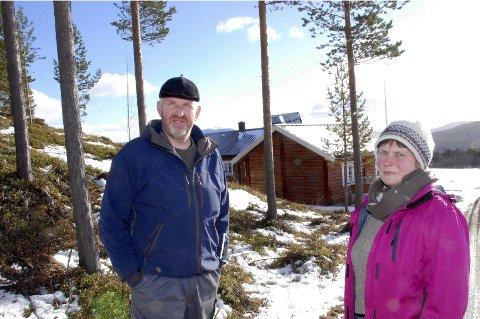 ARROGANT: Glåmas Venner representert ved Sigrun Taugbøl Aasen og Grim Jardar Aasgård synes Opplandskraft DA opptrer arrogant.Foto: MARIT ARNESEN