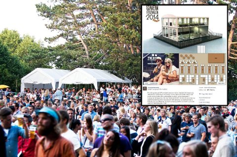 VIP-OMRÅDET: Det var fullpakket på VIP-området under fjorårets festival i Skråvika. Nå utvider Stavernfestivalen tilbudet med en VIP-lounge-etasje (innfelt), der det er plass til 150 personer. Festivalsjef Roger Albin sier loungen vil skape mindre «klasseskille» enn tidligere.