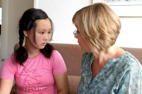 BLE SYK: Noen måneder etter at Selma kom til Norge som toåring, ble hun uforklarlig syk. I 2009 fikk hun diagnosen psykisk utviklingshemmet. – Hun er 15 år i kroppen, men har på mange måter et intellektuelt nivå som en fireåring, forteller Kristin Molvik Botnmark.