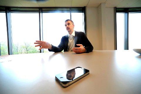 Daniel Döderlein fra Nøtterøy er kåret som årets entreprenør i Norge. Bakgrunnen er betalingsløsningen han har utviklet, der alle med mobiltelefon kan betale for varer og tjenester uten å løfte lommeboka ut av lomme.