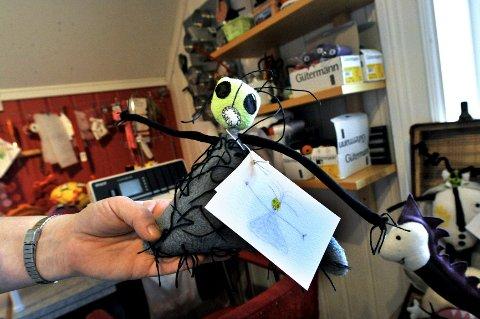 SKUMMEL: Denne lille krabaten har et skummelt ansikt og laaaaange armer. Foto: Kirvil H. Allum