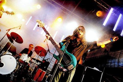 Motorpsycho med Bent Sæther i  spissen kommer til Slottsfjell for å fremføre «Demon Box» i sin helhet. Her fra da bandet spilte på samme festival i 2009.