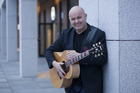PÅ VEIEN: Guren Hagen er for tiden ute på en skikkelig rundreise med sin musikk. Foto: Jo E. Brenden