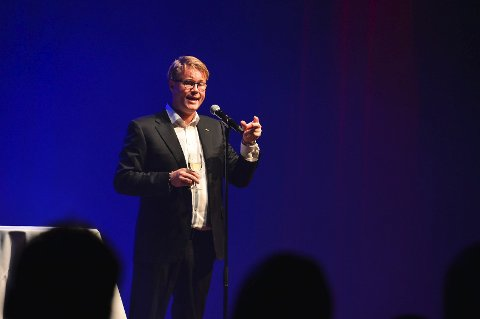 Konferansier Øyvind Loven hadde blant annet en topp ti-liste over tønsbergensere.