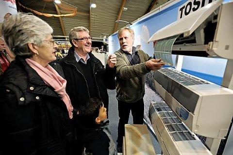 Varmepumpe Gerda, Gunnar og Adrian (7) Fjelldahl vurderer å kjøpe varmepumpe for å spare på strømmen. Selger er Bjørn Dahlen.