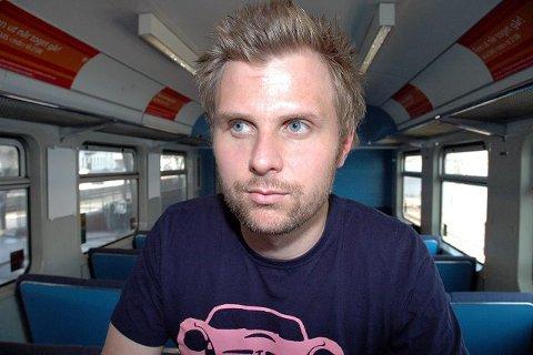 Stortingsrepresentant Torgeir Micaelsen (Ap) krever at Høyre og Frp rydder av veien all tvil om Steinberg stasjons fremtid.