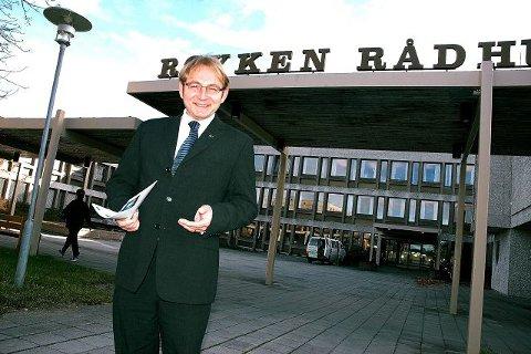 - Det er ikke utenkelig at det blir en vekst på 15.000 innen 20 år, sier Røyken-ordfører Rune Kjølstad.