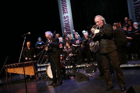 Brazz Brothers og koret Gregos serverte en flott musikksøndag i Kolben.