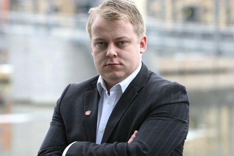 Erlend Wiborg (FrP) sier han baserer sine uttalelser om fyllesyke på forskning.