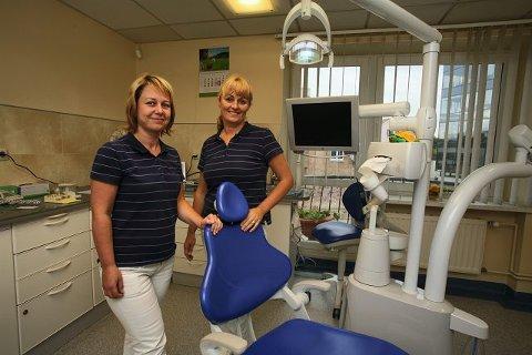 BILLIGE TANNLEGER  Tannlegene Margarita Cibulskiene og Rita Baranauskiene har hatt nordmenn til behandling før.  – Stort sett får vi besøk av utlendinger som har større arbeid i vente, forteller tannlegene.