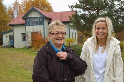 NATURLIG: For Else Nohr (til venstre) og Gyda Beate Lans fra Ljørdalen i Trysil er det helt naturlig å bruke trysildialekta. <I>Foto: Ingrid Nylund </I>