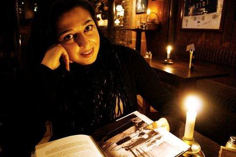Mahmona Khan, forfatter og journalist, er plukket ut til å møte president Barack Obama i april. Arkivfoto: Kristin Trosvik