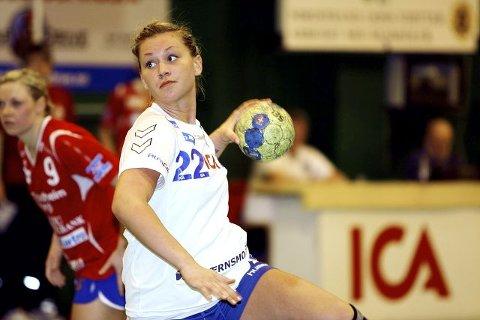 Amanda Kurtovic scoret 11 mål, 4 fra straffefeltet, men i forsvar hadde verken hun eller NIF dagen. Men Selbu ble slått 37–32 likevel. Begge foto: Carina Alice Bredesen