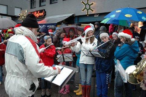 Nordstrandskolenes musikkorps spilte på Sæter.