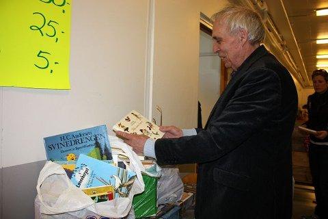Freddy Fjeldheim kjøper alltid brukte bøker på Nordseter. Lørdag endte han opp med 48 barnebøker.