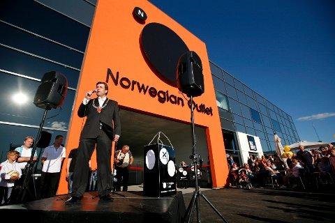 Natt til fredag tok noen seg inn på Norwegian Outlet i Vestby og stjal klær. Bildet er fra åpningen.