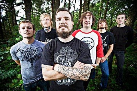 Bandet får strålende kritikker for sin debutplate.