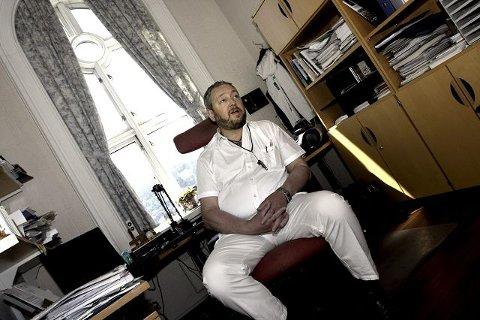 Varaordfører Freddy Hoffmann stortrives på kontoret på rådhuset, men sentrale kilder i partiet ønsker nye toppkandidater neste år.