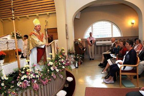 Bernt Eidsvig er utnevnt oslobiskop av pave Benedict XVI i 2005. Torsdag var han på den katolske markeringen i Sandefjord. Foto: Atle Møller.