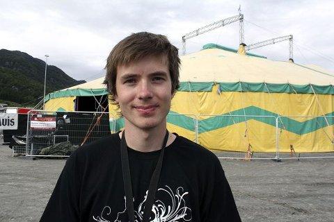 VEL BLÅST: En fornøyd festivalsjef Kurt Inge Nybru vil begynne på bookingen av neste års rootsfestival om et par måneder. FOTO: TRULS HORVEI
