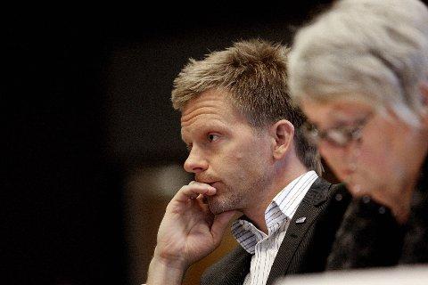 Tage Pettersen (H) ønsker å fjerne skattelistene fra nett.