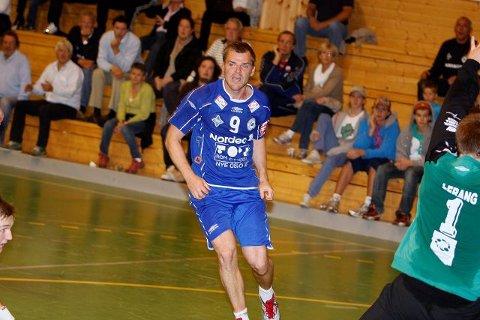 BSK/NIFs spillende trener Michael Bech Rehnquist.