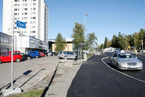 Taxiene på Lambertseter skal nå stå i en egen lomme ved det gamle senteret i Langbølgen.