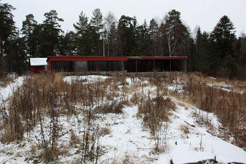 Den gamle skytebanen i Prinsdal har ligget død i snart tre år. Nå skal den undersøke, go deretter kommer reguleringsplan.
