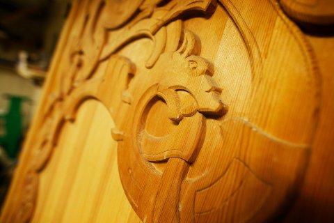 Dragestilen fra slutten av 1800-tallet var basert på stavkirkedekor og ornamentikk fra vikingtida.