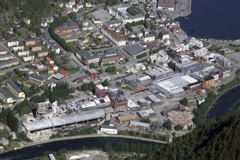 Det gamle smelteverket i Odda får ingen verdensarvstatus med det første.