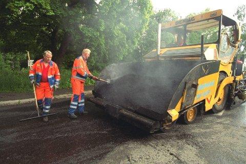 Det skal legges store mengder med asfalt i Buskerud i mai.