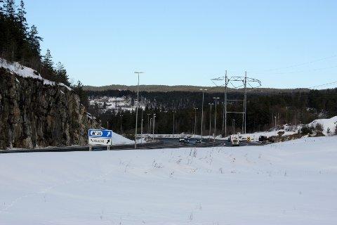 Gjentatte ganger har det blitt ivret for å få en alternativ adkomst til Bjørndal. Kan det fremtidige Åslandkrysset bli løsningen?